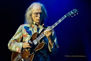 Steve Howe showing his genius at the 2013 Yestival (courtesy Buster Harvey (c) 2013 www.LiveShotProductions.com)