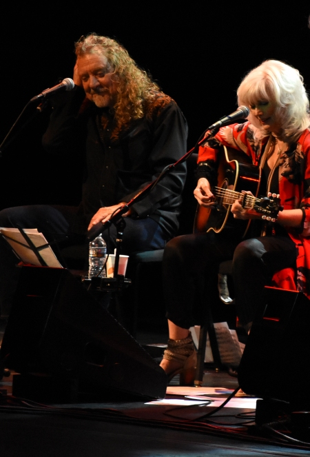 Robert Plant and Emmylou Harris perform during the Lampedusa: Concerts for Refugees show at the Lisner Auditorium on the campus of The George Washington University in Washington, D.C., Oct. 21, 2016. (Christian Fuchs Ñ Jesuit Refugee Service/USA)
